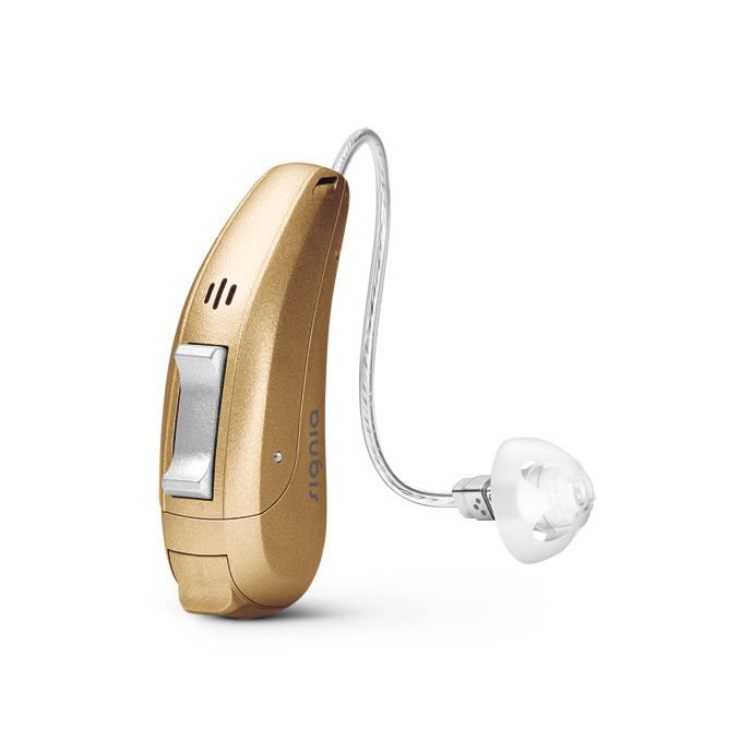 耳かけ型でありながら、小さく軽く目立ちにくく補聴器をかけている感じが無く自然なかけ心地です。