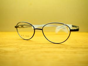 鼻に跡がつかないメガネ
