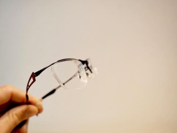 バイク用メガネ強度数でも綺麗に違和感なく作れます。サムネイル