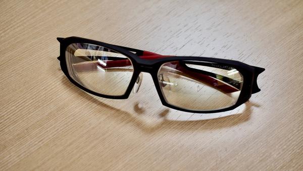 色が変わる斬新な調光ミラーでサングラスを作ってみませか?サムネイル